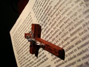 bibel-1167737-640x480